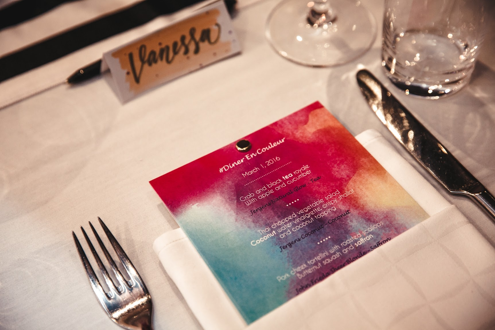 Diner En Couleur Name Cards - Photography by The Glass Eye